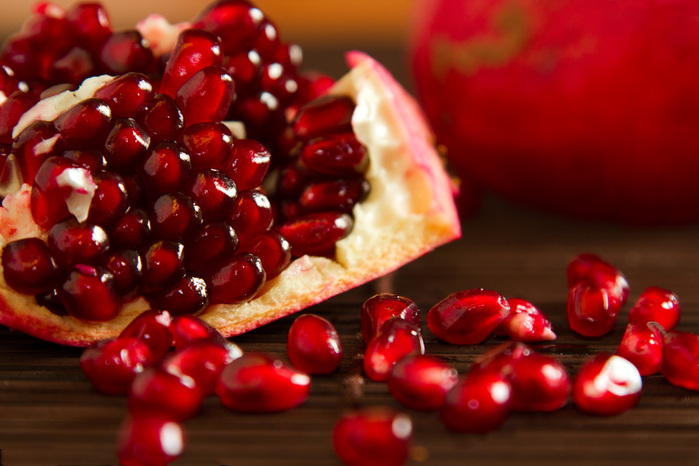 1827016_04zspomegranates_204ab (700x466, 125Kb)