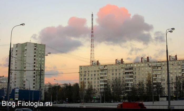 Новая телевизионная и радиовещательная башня, расположенная в Москве на территории Октябрьского радиоцентра по адресу ул. Демьяна Бедного, 24.