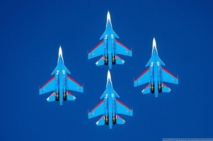 «Русские Витязи» на авиационно-космической выставке Dubai Airshow