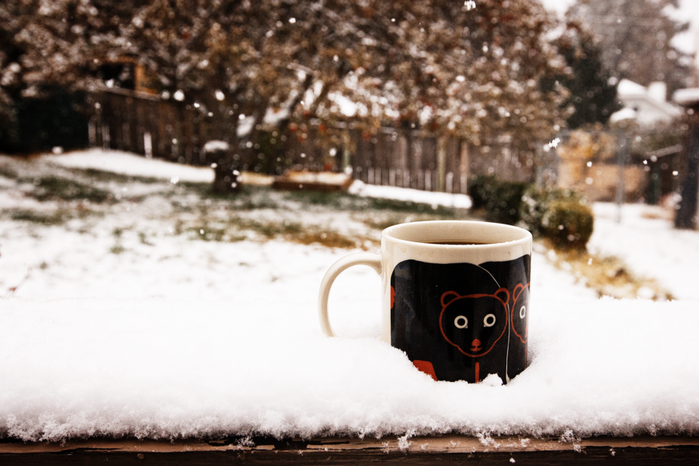 coffee__snow_by_n_fphotography-d4f94wg (700x466, 472Kb)