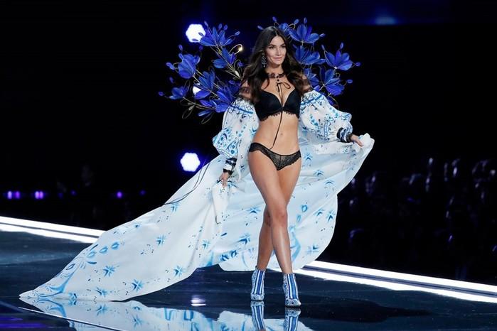 Фотографии: показ новой коллекции Victorias Secret