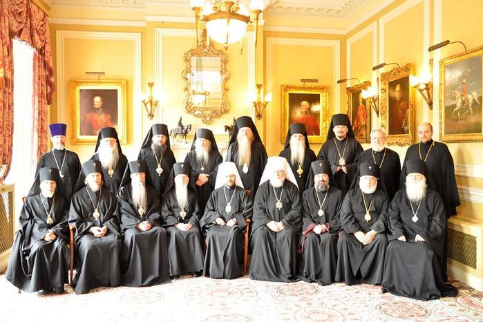Кого Русская Православная церковь не разрешала отпевать