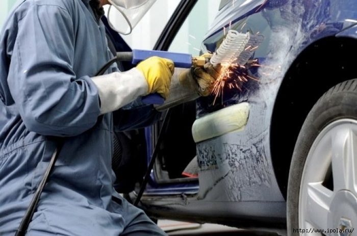 "alt=""От чего зависит качество ремонта автомобиля?""/2835299_Kyzovnoi_remont_i_pokraska_avtomobilei0 (700x463, 149Kb)"