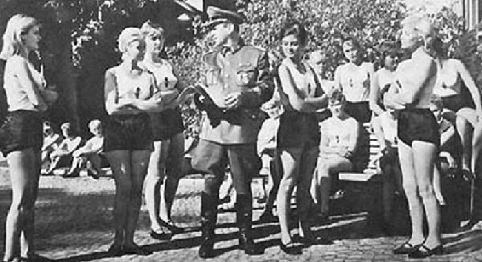 Для поднятия боевого духа гитлеровцы употребляли на войне не только горячительные напитки