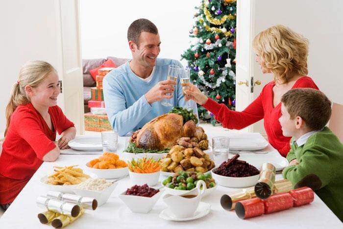 8 правил, как не растолстеть за праздничным столом