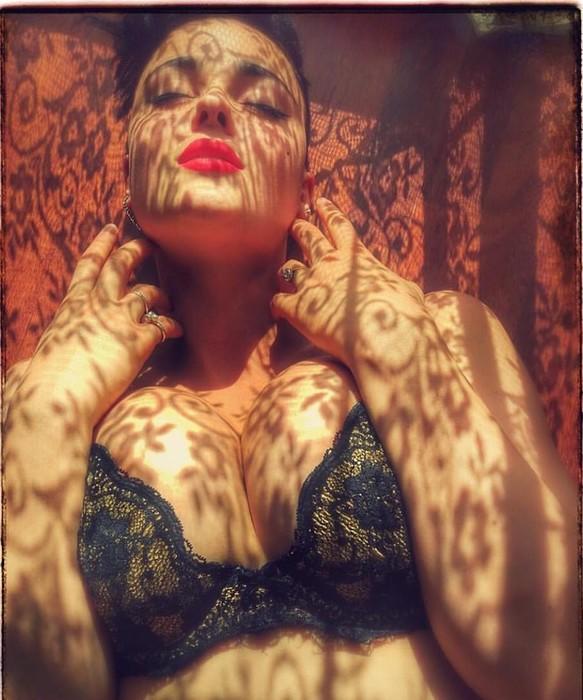 139230480 122317 2318 BurgerKing46 10 фото Стефании Феррарио, которая крушит стереотипы о модельной внешности