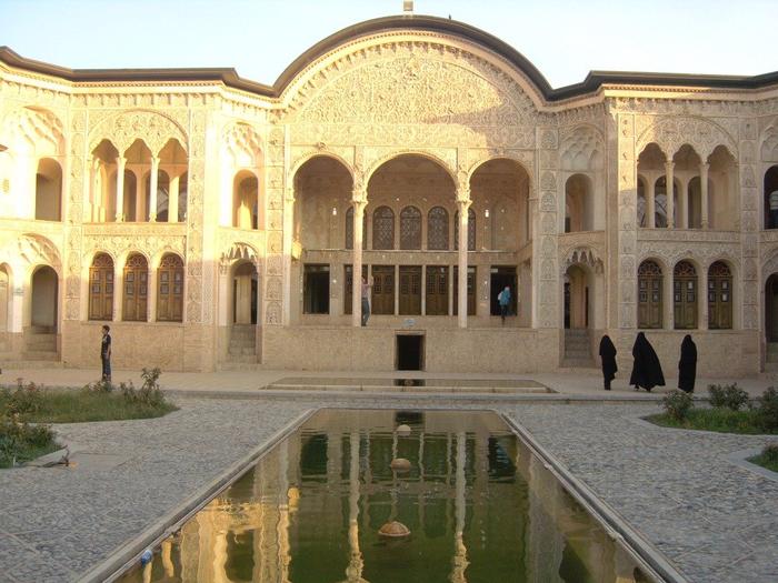 3. дворец хана Табата в Кашане (700x525, 445Kb)