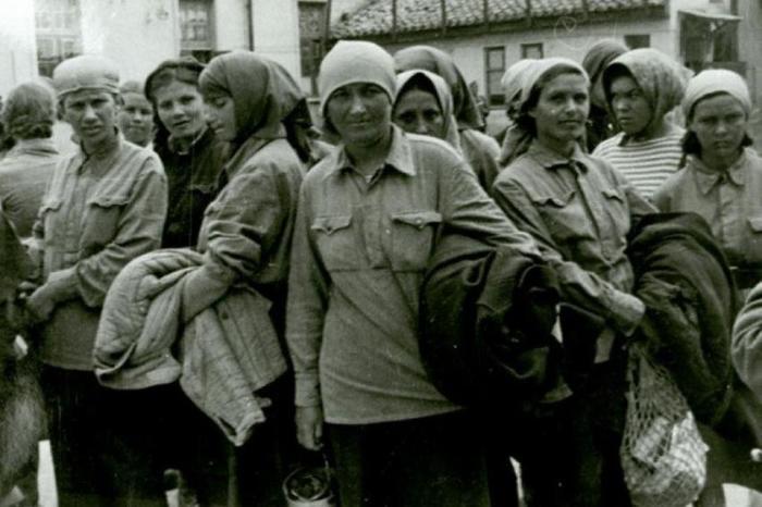 Как красноармейцев содержали в фашистском плену