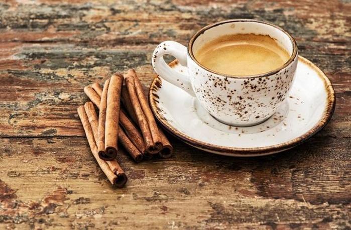 Неожиданный ингредиент для утреннего кофе, который поможет не набрать лишнего веса