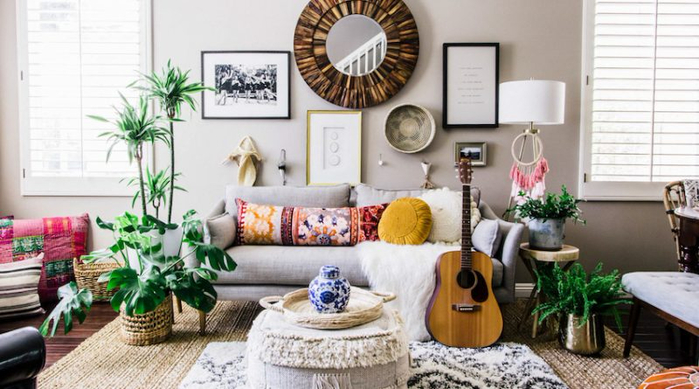 16. 01-Living-Room-in-Anita-Yokotas-Effortless-Boho-Home-DesignSponge-800x445 (700x389, 293Kb)