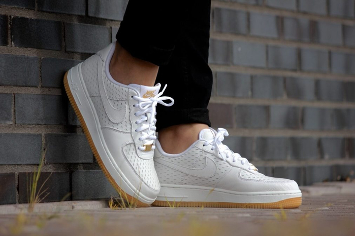 971Women Nike Air Force 1 07 PRM White White-Metallic Gold Shoes - Womens Nike Shoes U72c1343_1_LRG (700x466, 230Kb)
