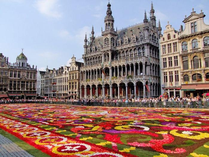 11. Брюссель (700x525, 477Kb)