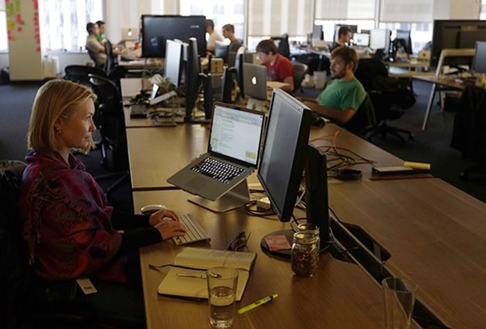 143201256 080418 1546 4 Россиянок домогаются, оскорбляют и лишают работы. Но закон их не защитит