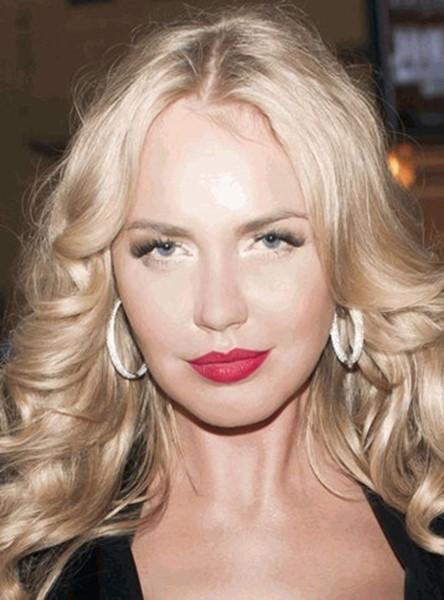 143262054 080818 1513 6 Российские знаменитости без макияжа: селфи в стиле«ноумейкап»