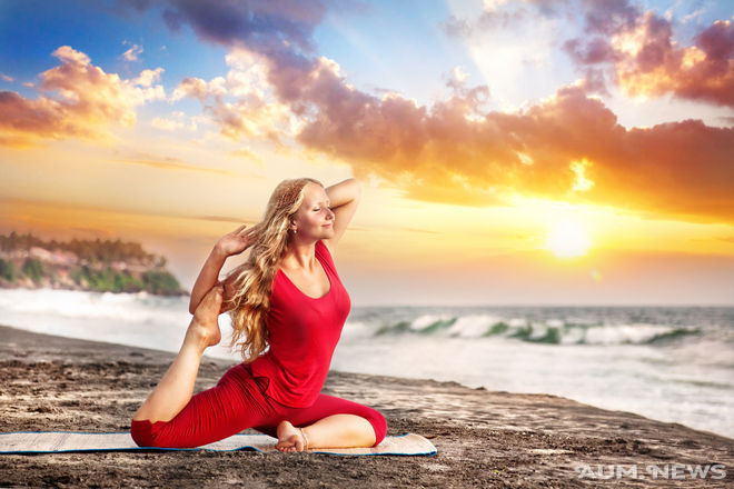 17.0. Yoga at sunset beach (660x440, 62Kb)