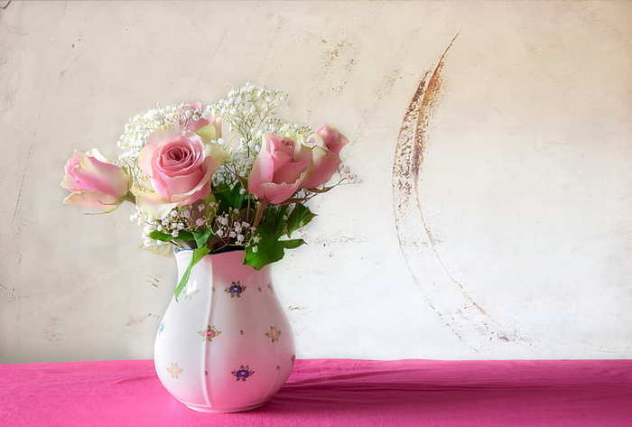 roses-bouquet-vase-still-life-preview (700x473, 23Kb)