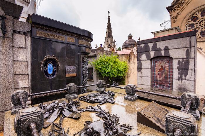 кладбище реколета 15 (700x466, 479Kb)