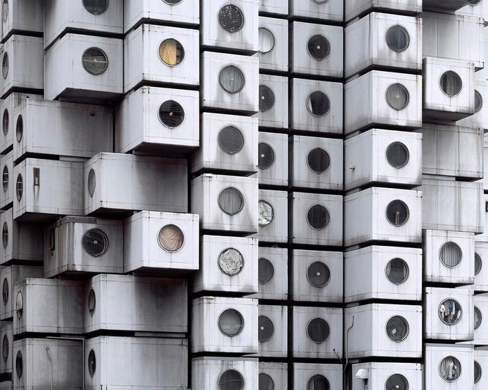 башня-капсула Накагин токио 3 (700x560, 386Kb)