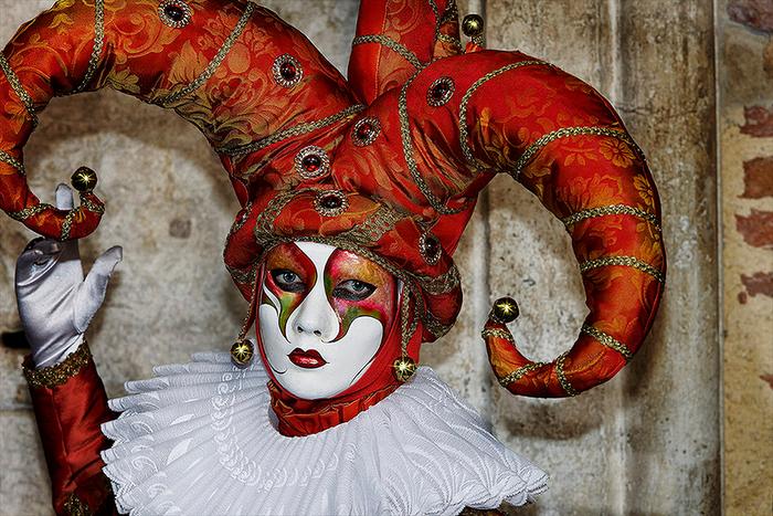 Как сделать карнавальную венецианскую маску Джокер (3) (700x467, 547Kb)