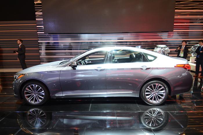Hyundai-Genesis-G80-profile (700x465, 331Kb)