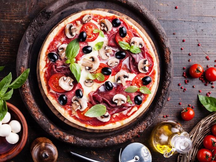 pizza-picca-olivki-griby (700x525, 533Kb)