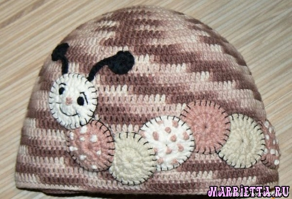 Гусеница на шапочке. Аппликация на детской одежде (1) (599x409, 184Kb)
