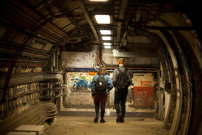 заброшенные туннели лондонского метро 1 (700x466, 406Kb)