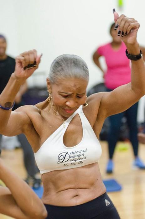 Самая накачанная бабушка на свете отметила 80 летие