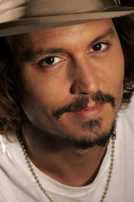 3085196_johnnydepp6245photolarge12 (466x700, 212Kb)
