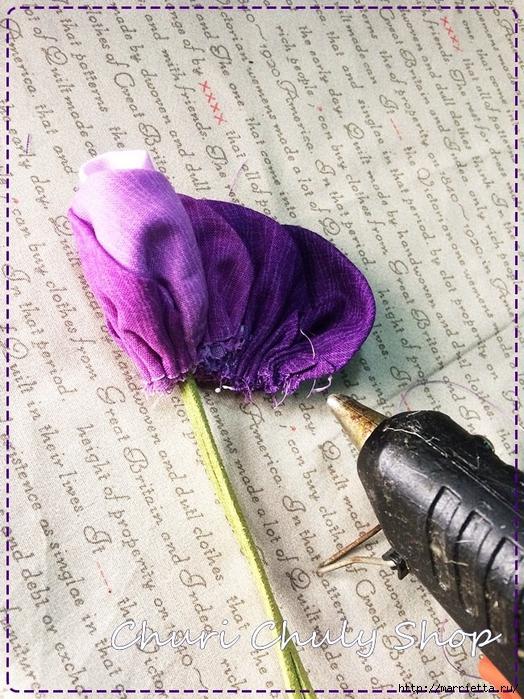 Розы из ткани. Подвеска для брелка своими руками (29) (524x700, 383Kb)