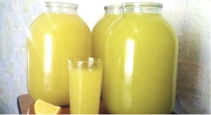 Утоляющий жажду напиток из апельсинов