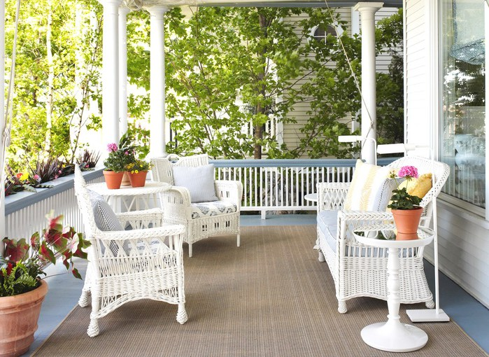 replacement-cushions-for-wicker-furniture-Porch-Victorian-with-blue-and-white-coastal-columns-cottage-floor-lamp-outdoor-rug-potted-plant (1) (700x510, 145Kb)