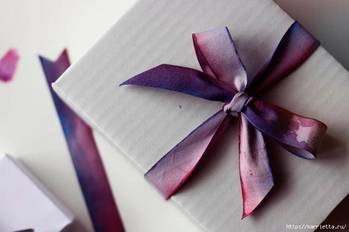 Красим бант для упаковки подарков (3) (700x466, 173Kb)