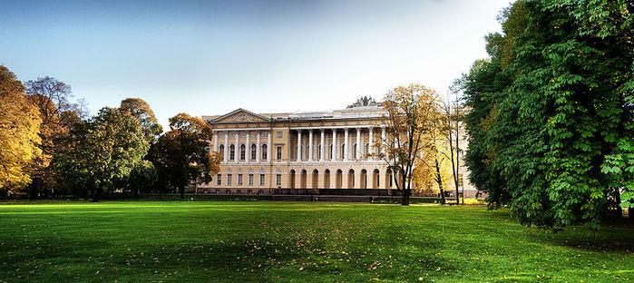 3517075_800pxMikhaylovsky_garden_Saint_Petersbug (700x312, 84Kb)