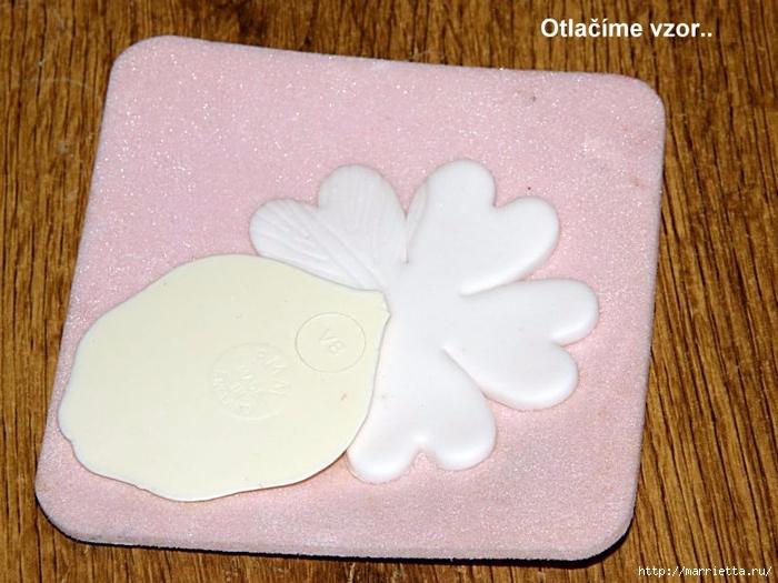 Modelado de masilla de azúcar para las tortas.  flores hermosas.  Master Class (4) (700x525, 269KB)