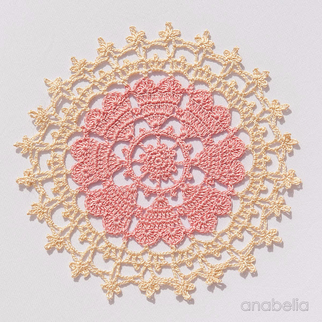 Crown-of-hearts-doilies-5 (640x640, 539Kb)