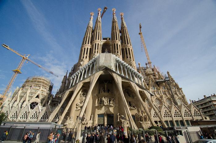 собор святого семейства барселона 5 (700x463, 448Kb)