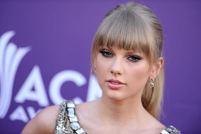 Тейлор Свифт стала самой высокооплачиваемой знаменитостью года (рейтинг Forbes)