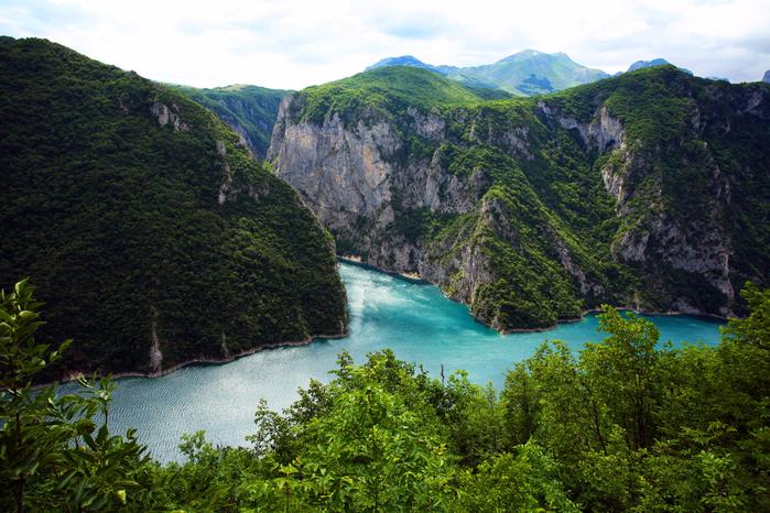 1467368098_durmitor-national-park-in-montenegro-6 (700x466, 548Kb)