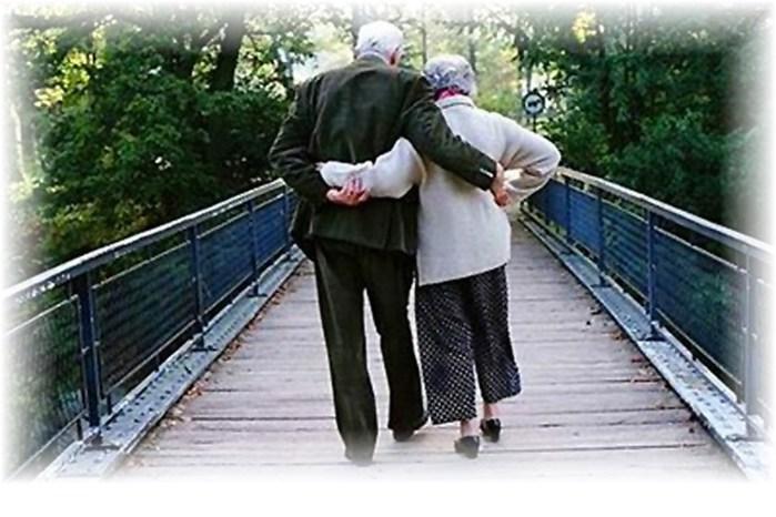 elderly-couple (700x466, 82Kb)