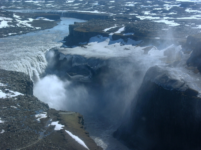������� ���������, ��������/5996822_Aerial_View_of_Dettifoss_21_05_2008_155032 (700x525, 281Kb)