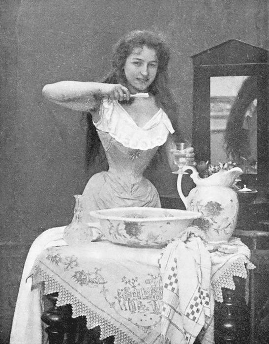 An Edwardian lady (547x700, 135Kb)