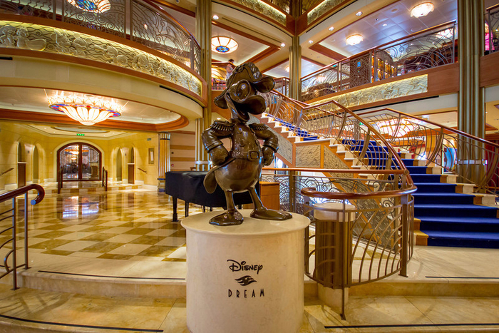 круизный лайнер Disney Dream 9 (700x467, 534Kb)