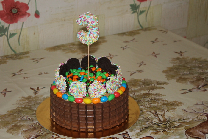 как украсить медовик на день рождения
