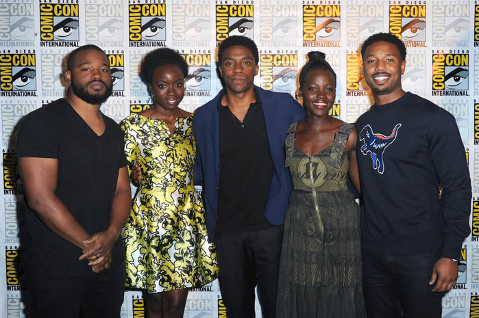 black-panther-comic-con-25jul16-01 (700x465, 399Kb)