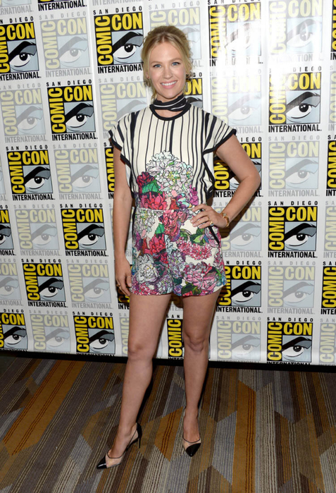 january-jones-stripes-25jul16-03 (477x700, 471Kb)