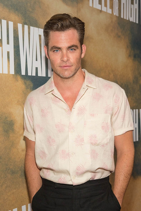 chris-pine-26jul16-01 (466x700, 311Kb)