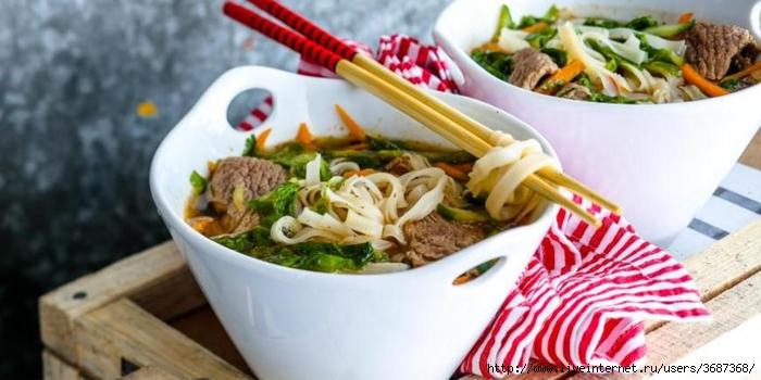 Вьетнамский суп с говядиной и лапшой (700x350, 185Kb)