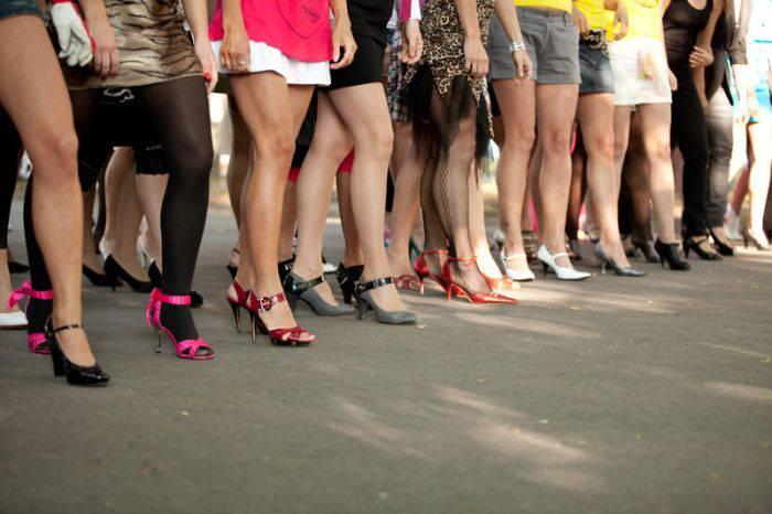 Как научиться ходить на каблуках, если вы всю жизнь носили балетки