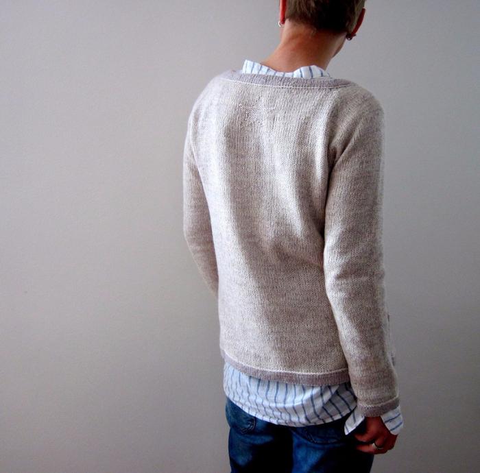 pulover_reglan_sverxu (700x690, 435Kb)